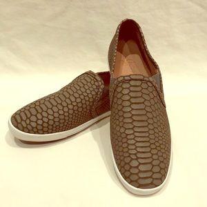 New Joie Kidmore Sneakers size 37